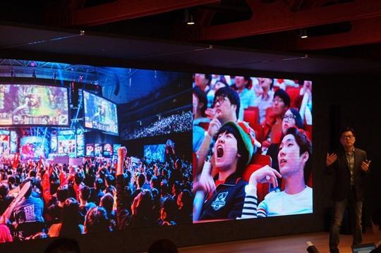 韩国官方LCK新场馆投入超1000亿韩元,网友:太小了,跟网咖似的