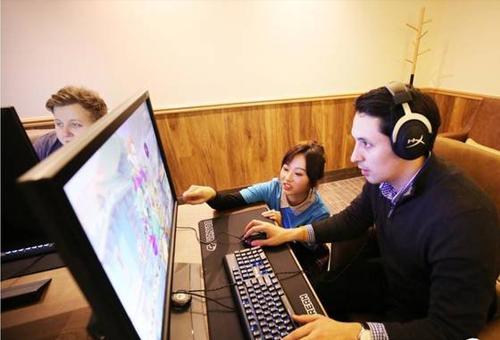 全世界都在学中国人开黑,网鱼网咖杀入伦敦电
