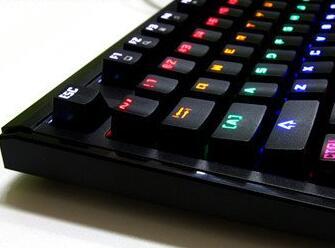 网咖性价比首选 灵逸GT200机械键盘评