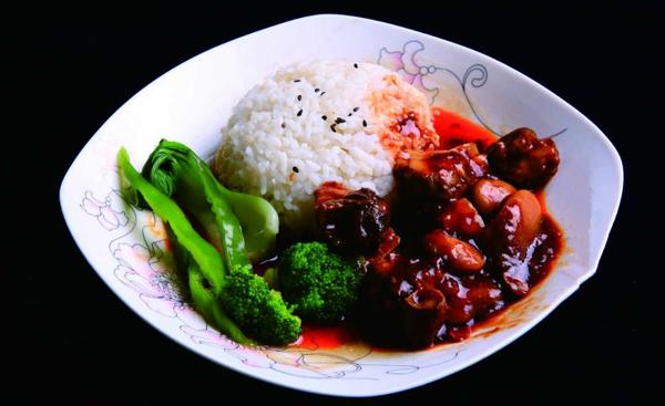 网咖中式简餐料理包咖喱牛腩饭 加热即食 出餐速度快简单方便